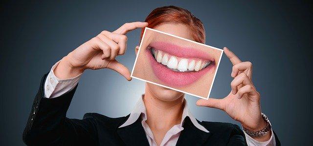 colle dentaire pour votre dentier